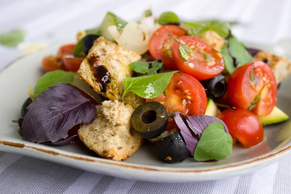 Greek salad with olives and croutons