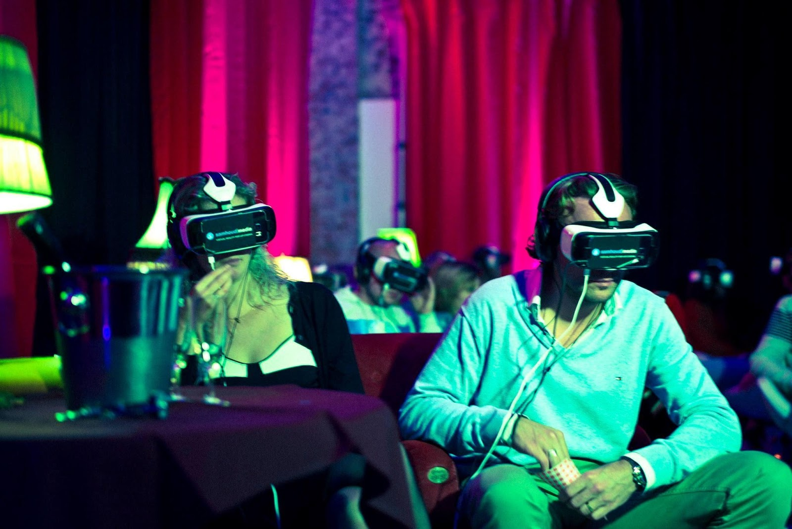 virtual reality movie theaters are getting popular